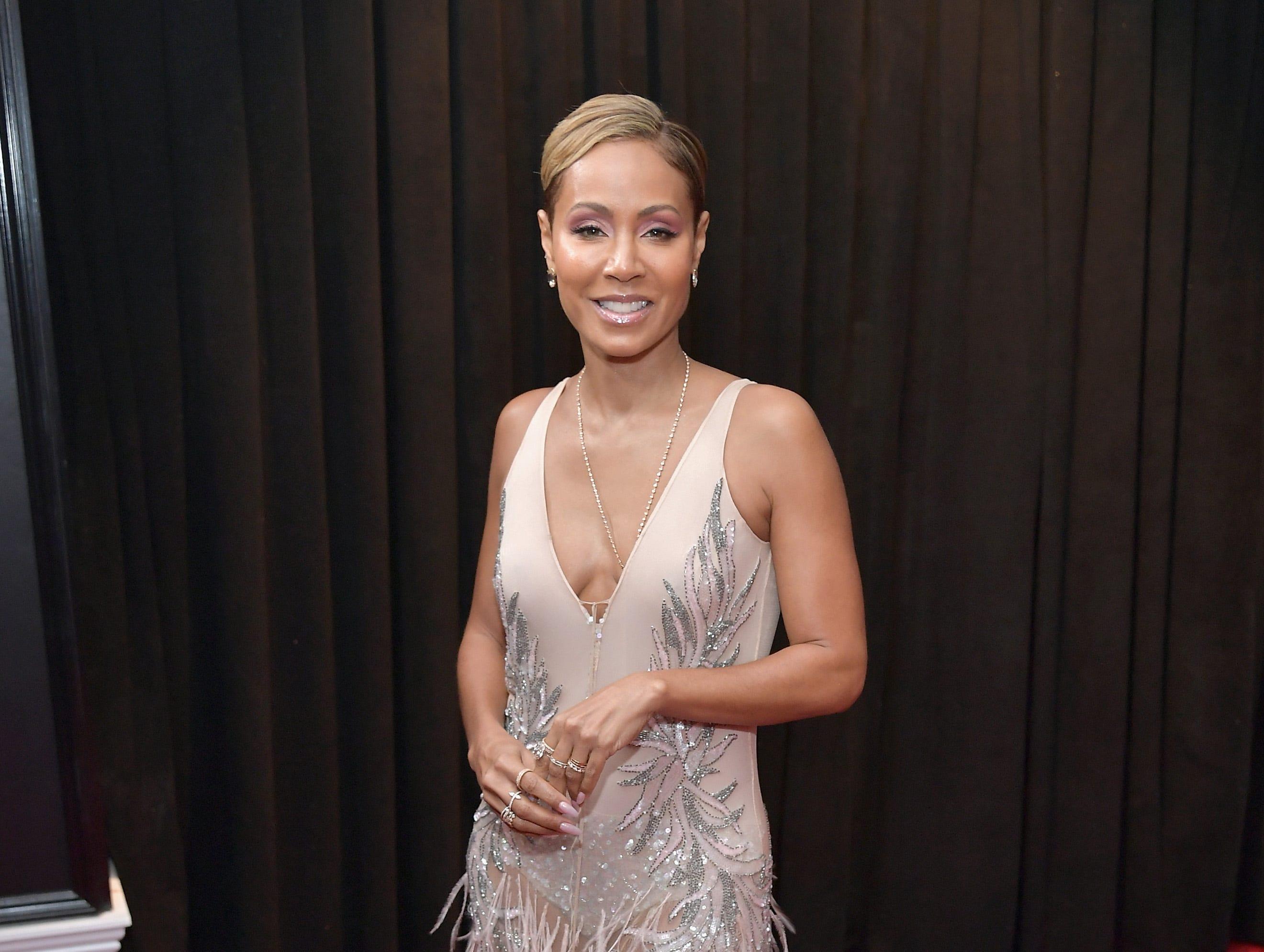 Jada Pinkett Smith  asiste a la 61ª edición de los premios GRAMMY en el Staples Center el 10 de febrero de 2019 en Los Ángeles, California.