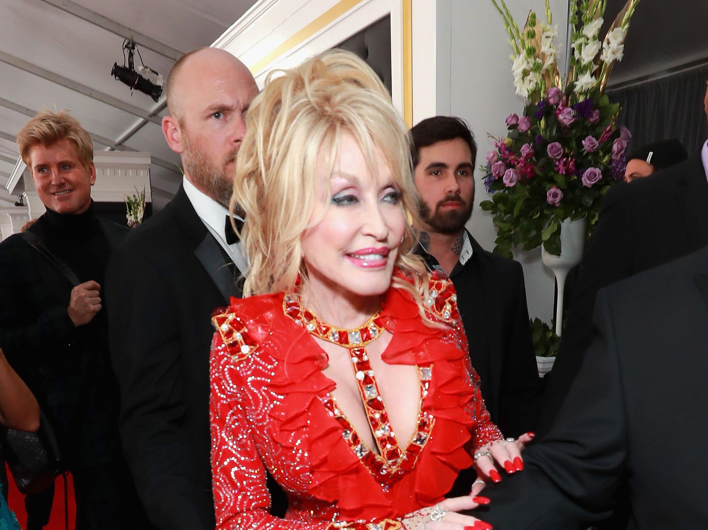 Dolly Parton  asiste a la 61ª edición de los premios GRAMMY en el Staples Center el 10 de febrero de 2019 en Los Ángeles, California.