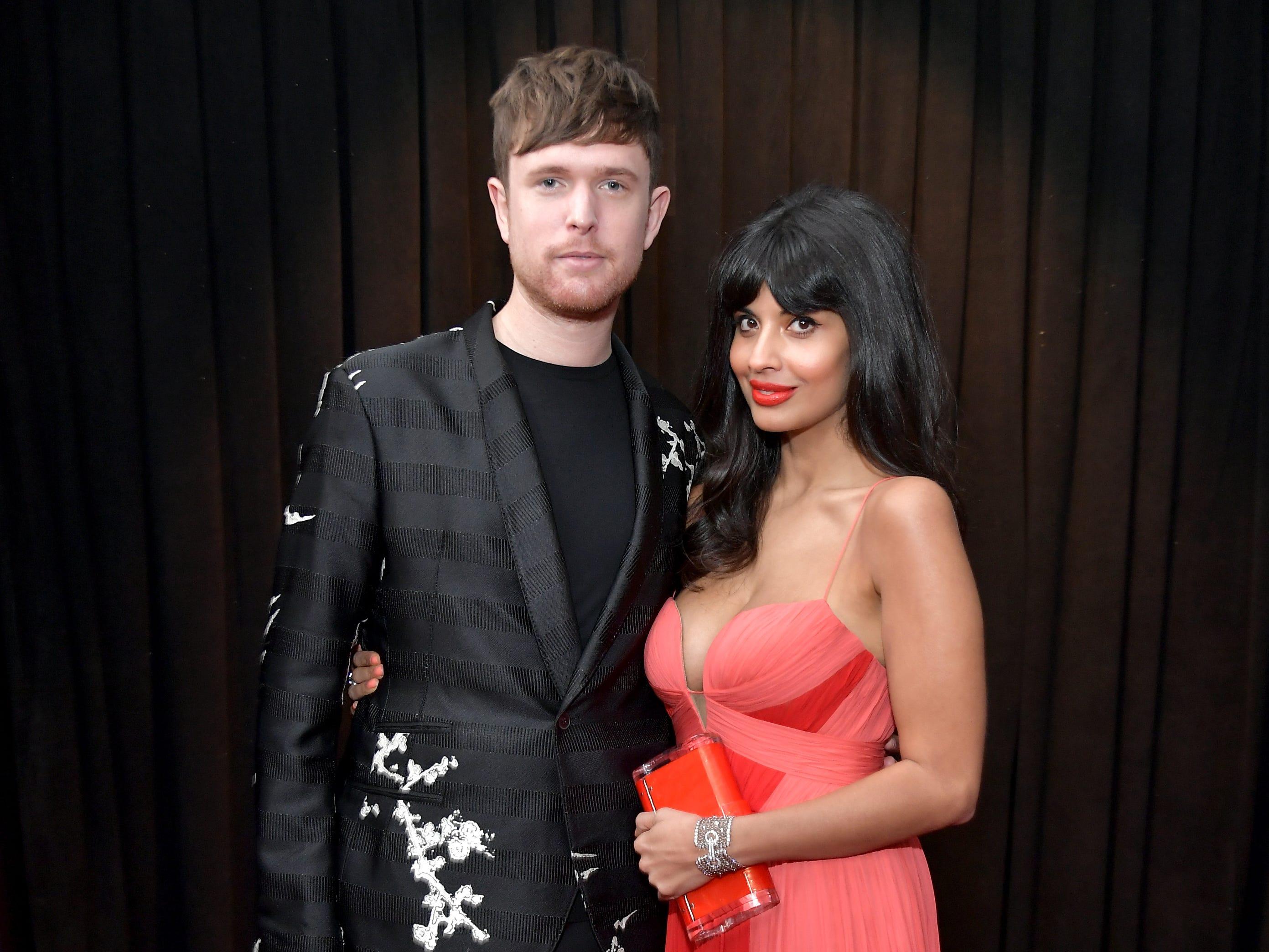 James Blake y Jameela Jamil asisten a la 61ª edición de los premios GRAMMY en el Staples Center el 10 de febrero de 2019 en Los Ángeles, California.