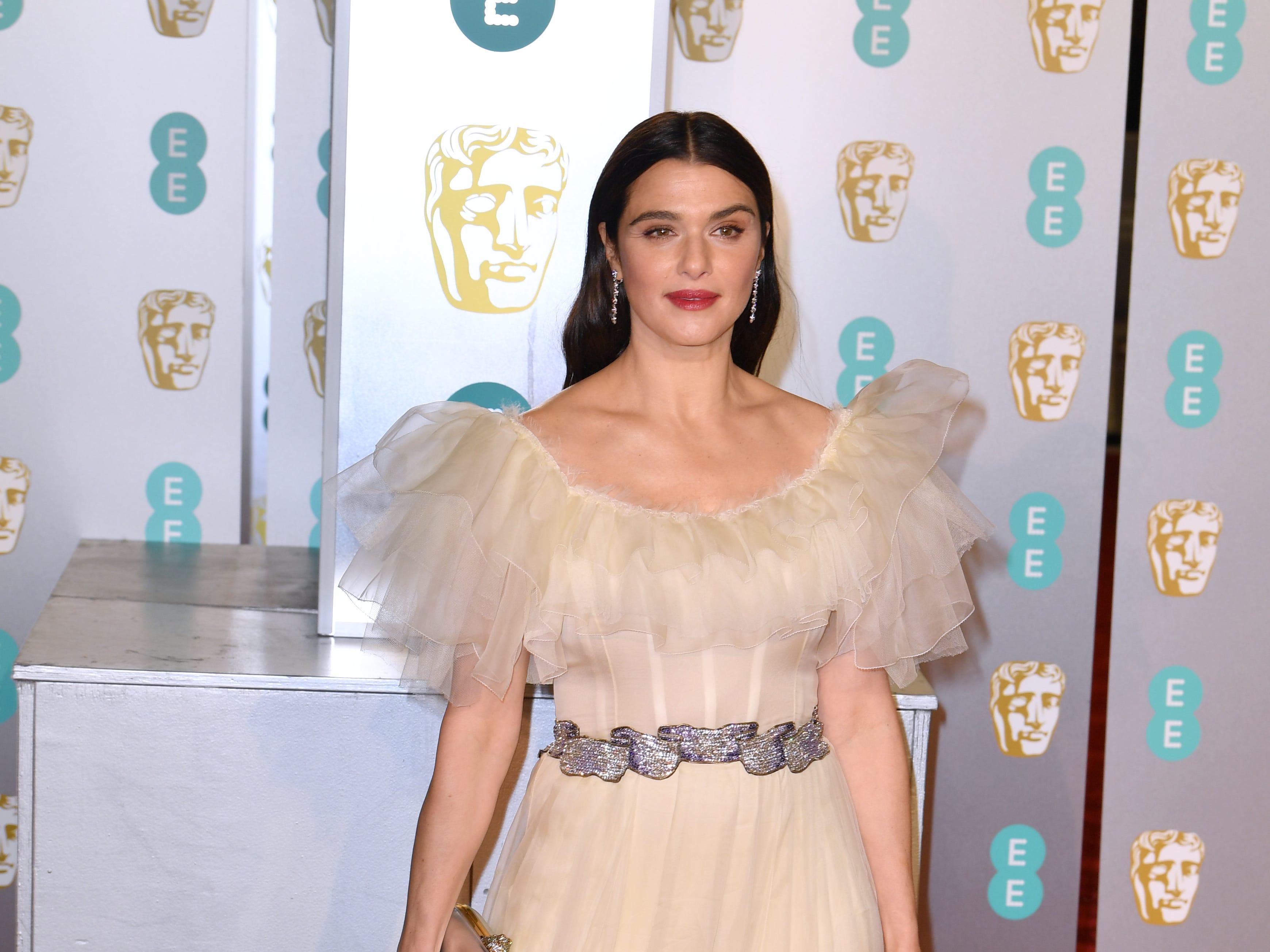 Rachel Weisz a su llegada a la alfombra roja de los Premios de la Academia Británica de Cine BAFTA en el Royal Albert Hall en Londres el 10 de febrero de 2019.