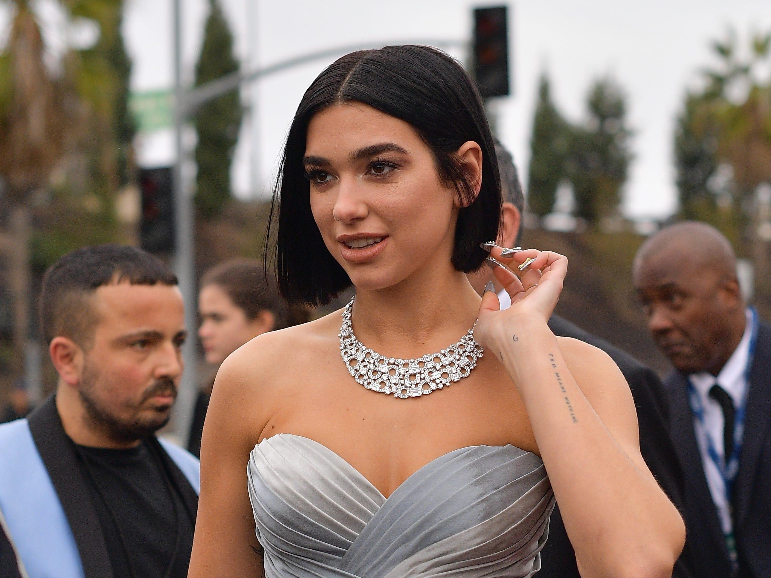 Dua Lipa asiste a la 61ª edición de los premios GRAMMY en el Staples Center el 10 de febrero de 2019 en Los Ángeles, California.