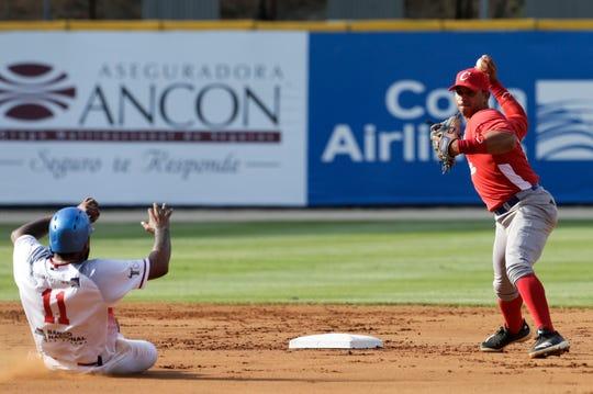 Panamá y Cuba brindaron un emocionante juego.