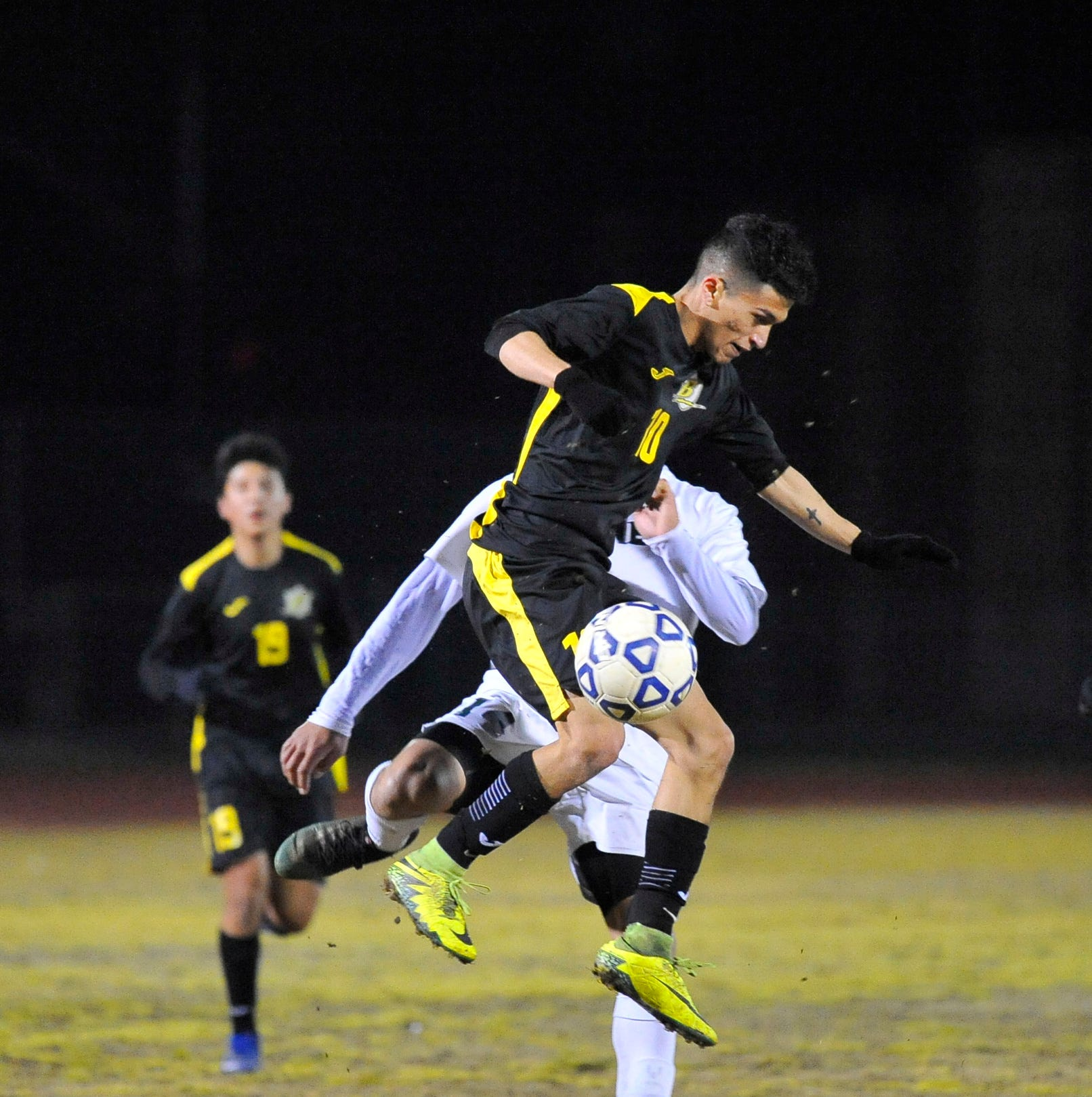 Golden West's Richard Chavez rebounds from injury