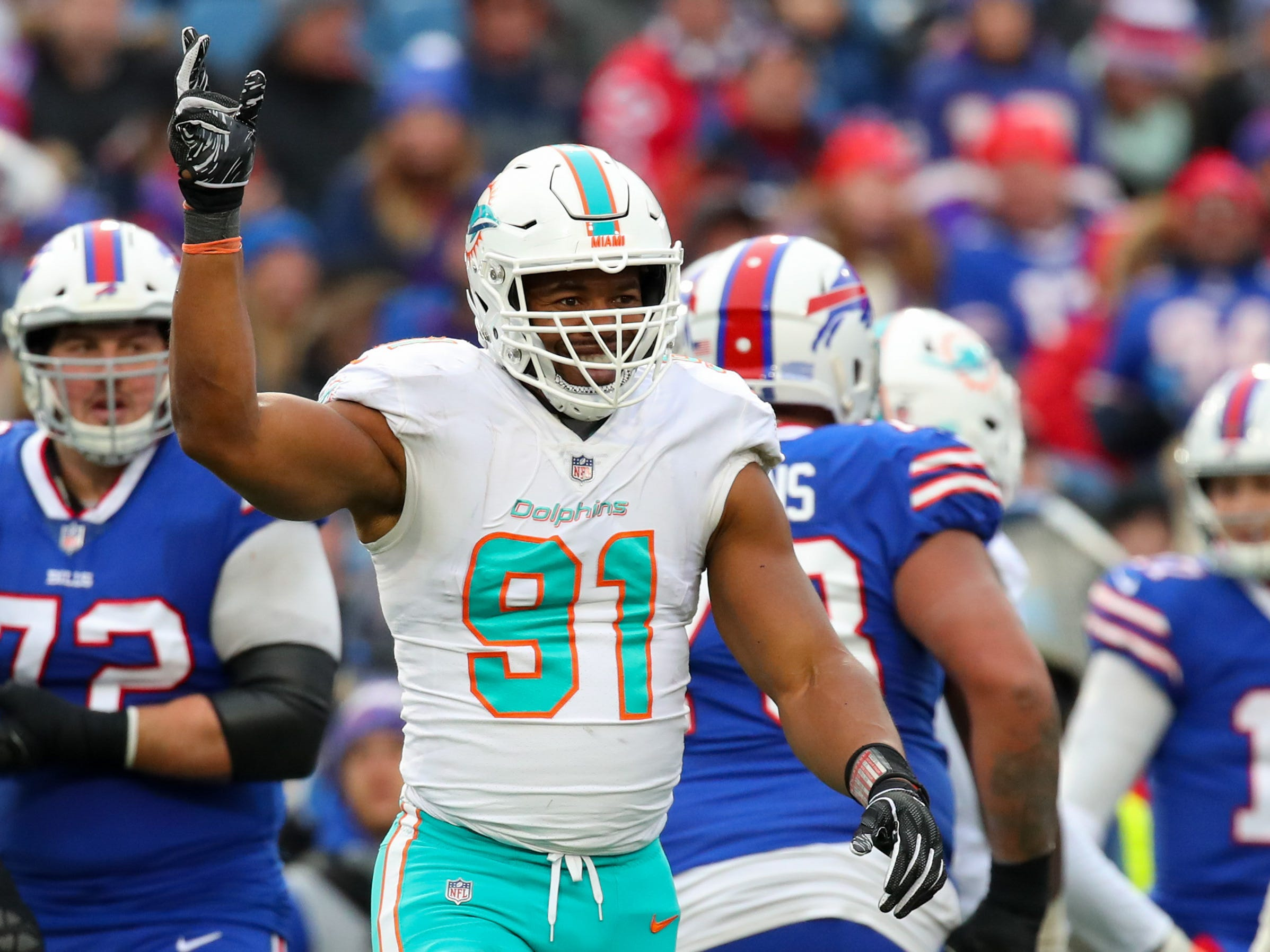 NR: Cameron Wake, DE, Dolphins: Agreed to deal with Titans