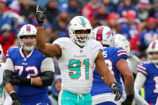 The Titans are reportedly signing Cameron Wake to a three-year, $23 million deal.