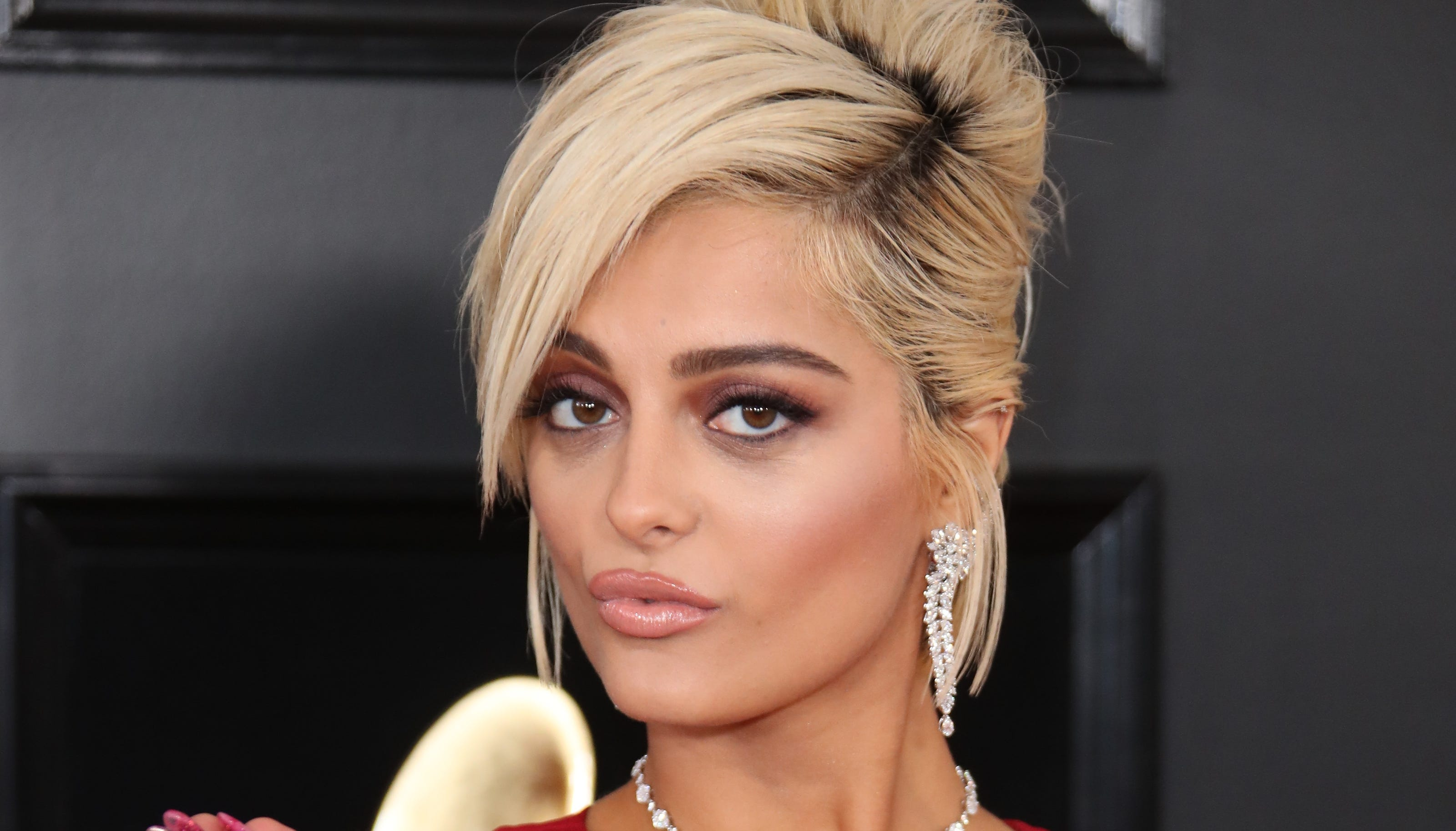 Eccezionale Bebe Rexha posts 'real,' unedited bikini photo on Instagram VP78