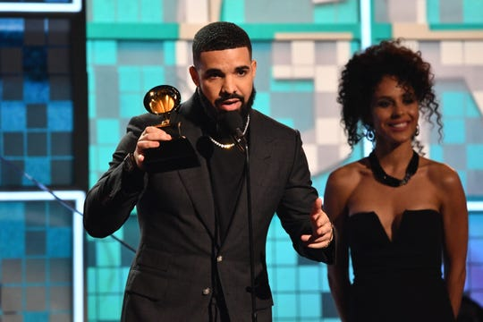 "Surprise! Drake shows up to accept best rap song at the Grammys for ""God's Plan."" But his speech got cut off."