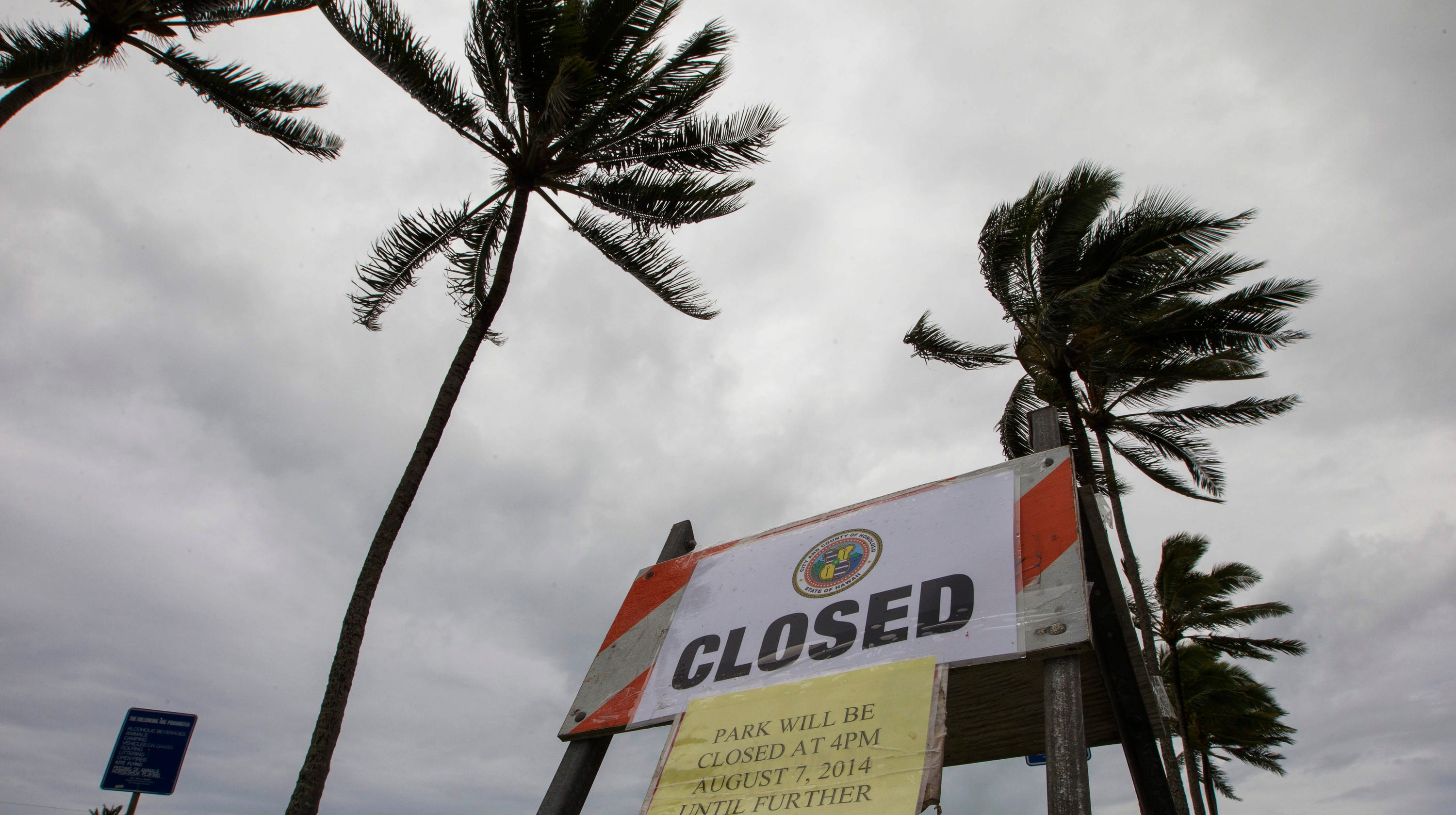 Hawaii weather: Storm brings 60-foot waves, power outages