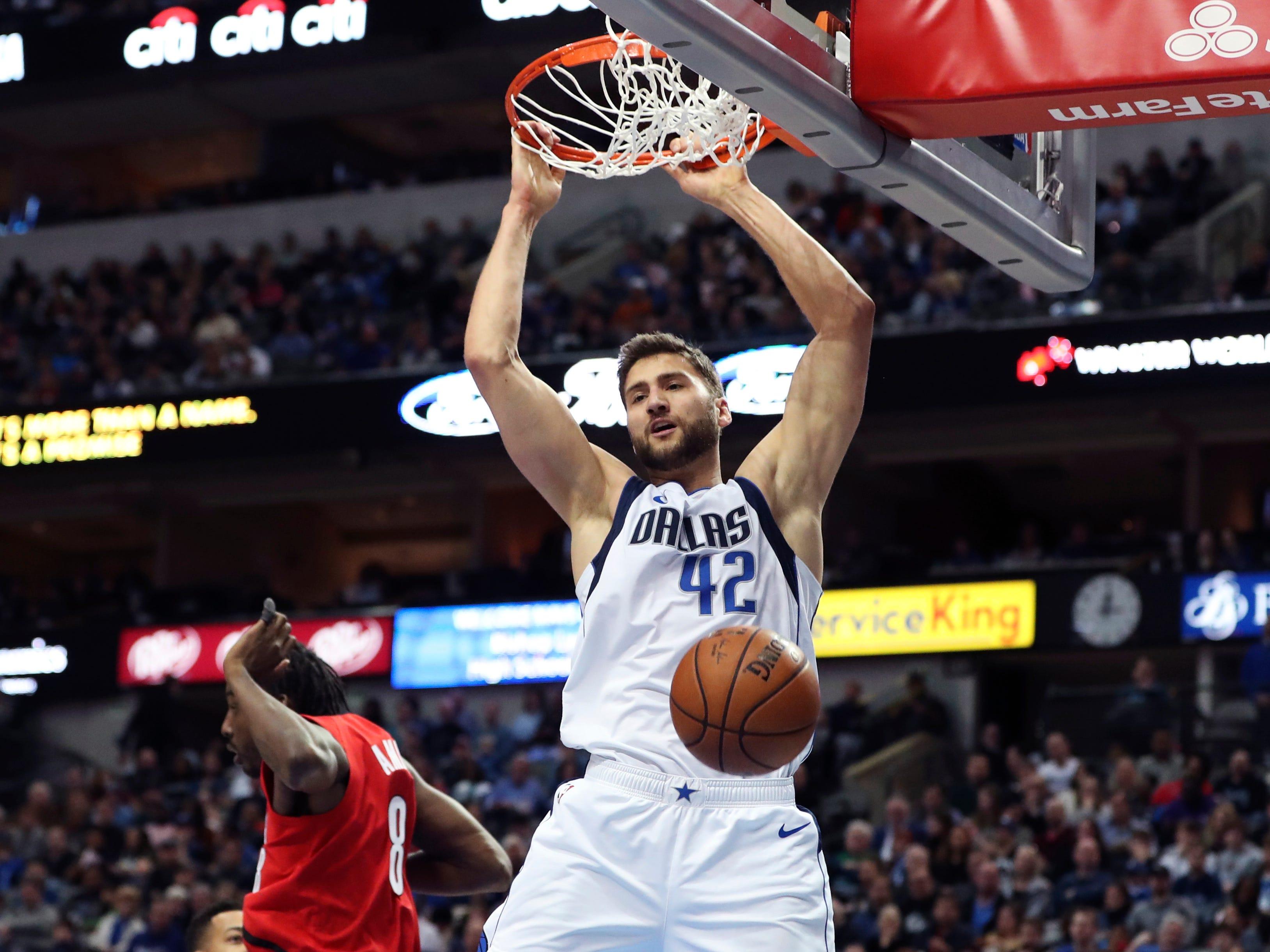Feb 10: Dallas Mavericks forward Maximilian Kleber (42) dunks slams one home against the Portland Trail Blazers.