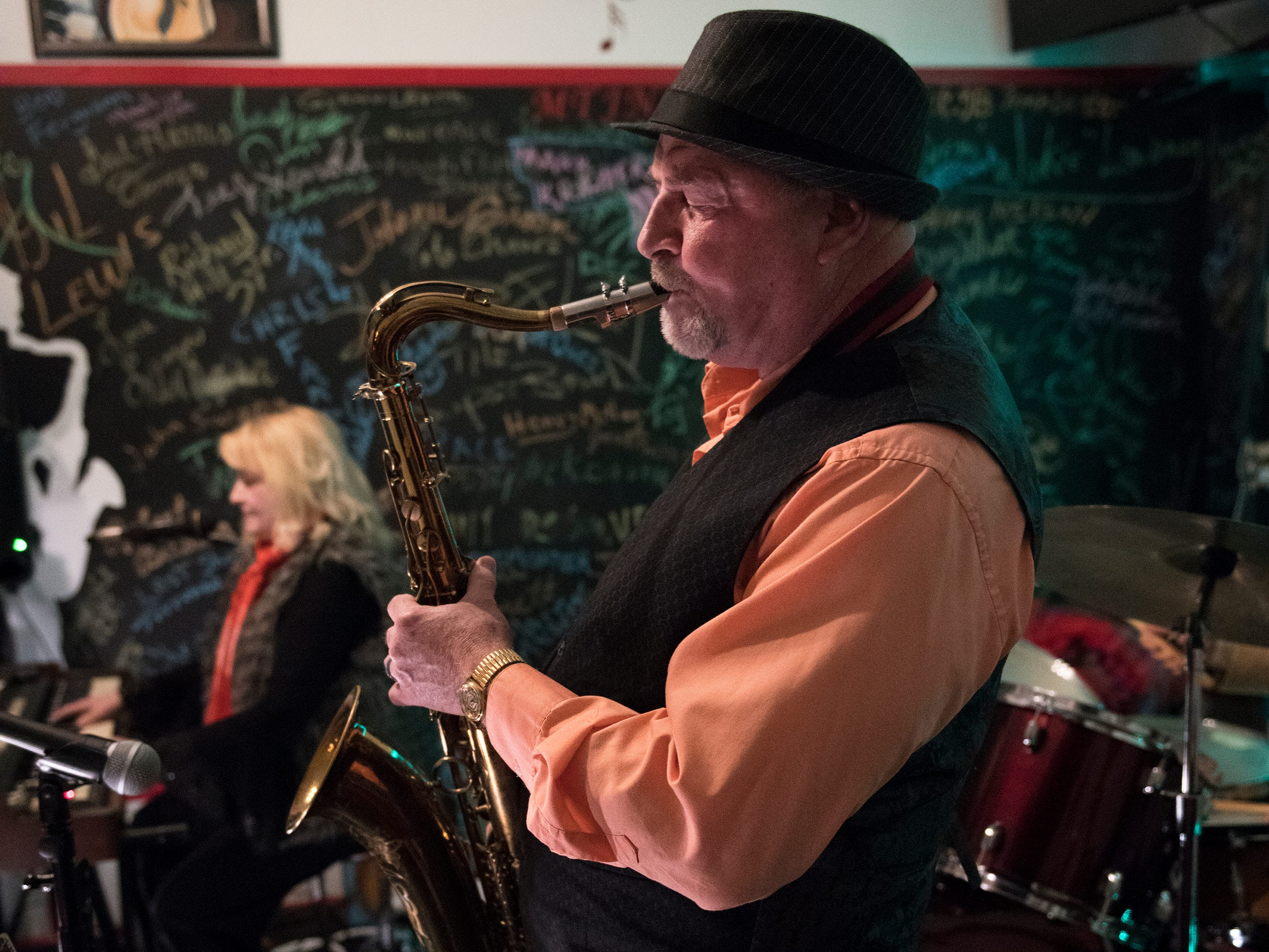 Jazz musicians Bonnie Bennett of Atlantic City, left, and Dave Dowell of Atco perform at May the Jazz Never Stop Jazz Cafe in Haddon Heights.