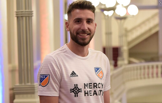 Mathieu Deplange sporting FC Cincinnati's secondary white kit.