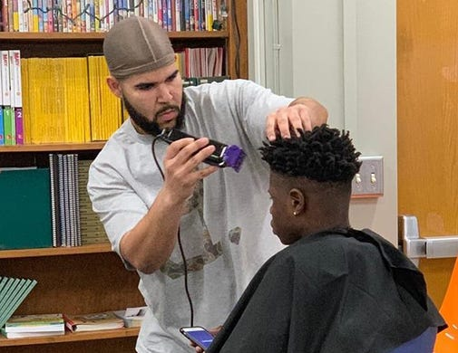 Des Moines Barber Gave Haircuts To Underprivileged Kids Refused Payment
