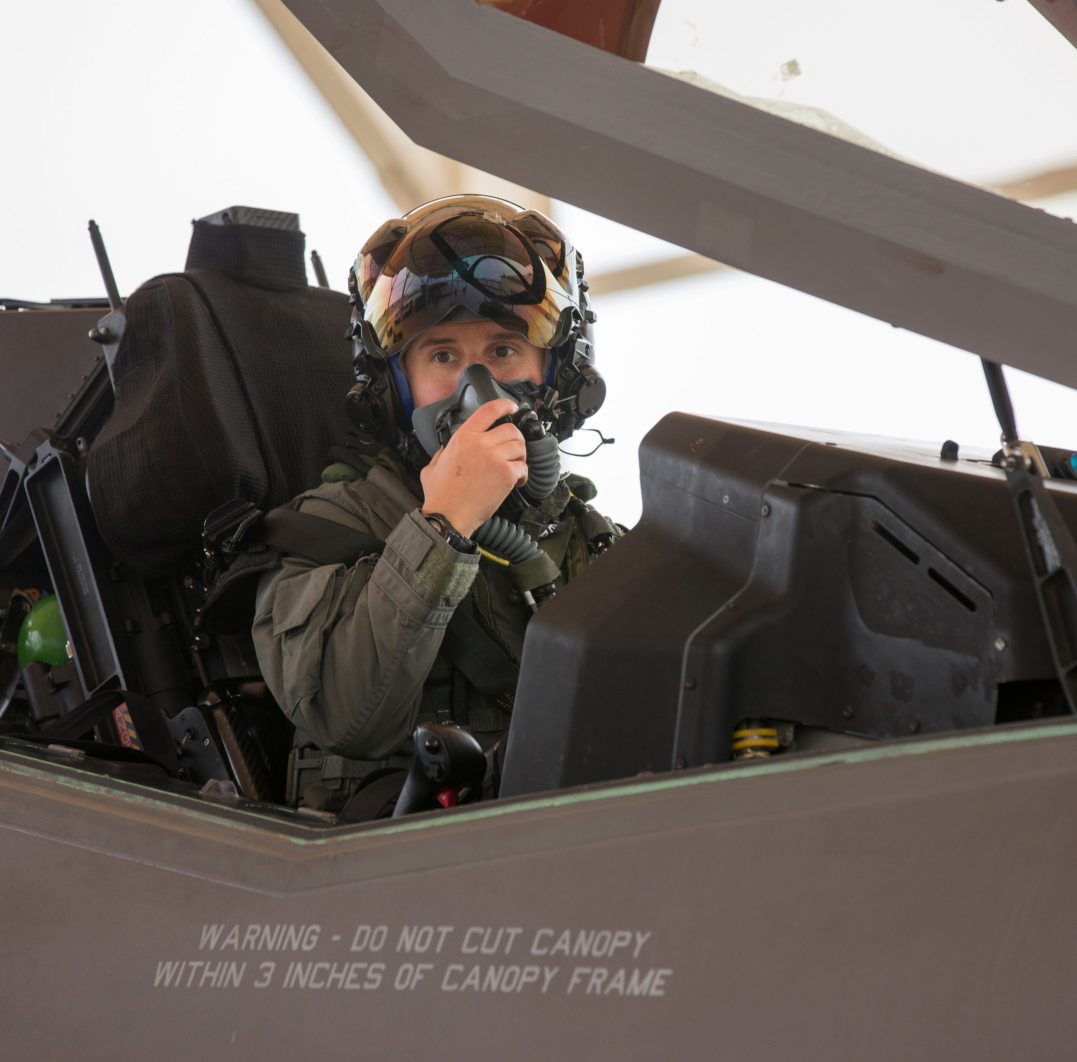 Fighter pilot: Green Bay's Rachael Winiecki becomes first female F-35 test pilot