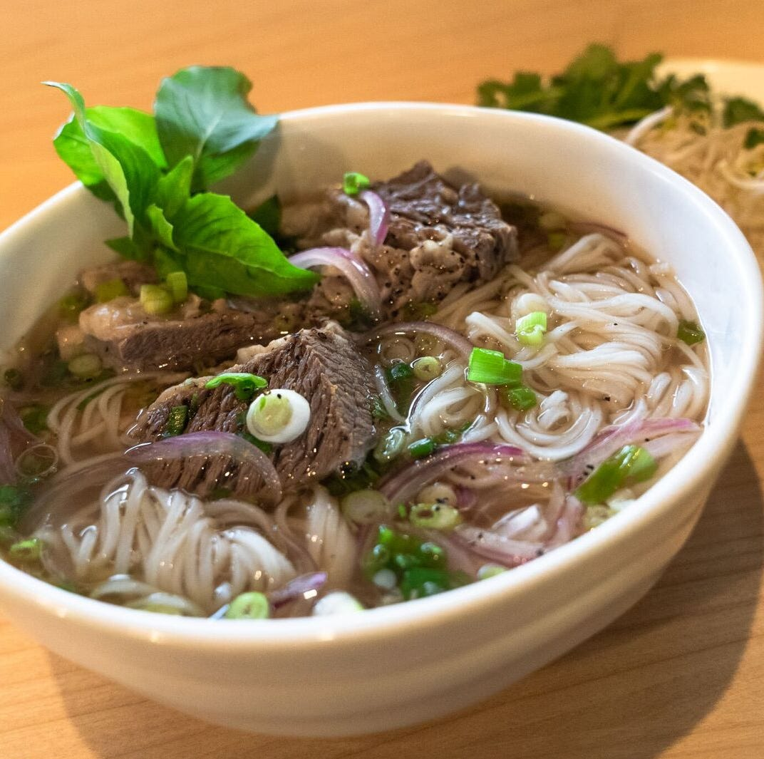 Analista: Ma's offers spectacular broth, incredible banh mi