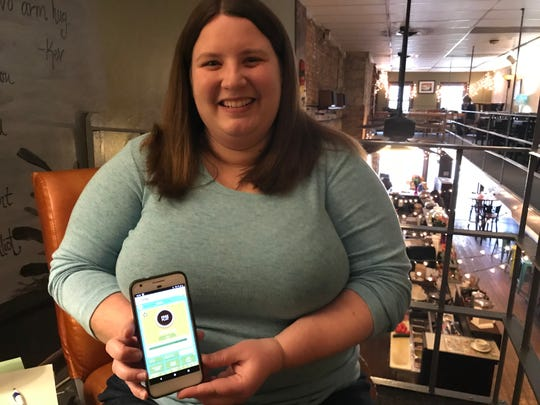 Purdue alumna Amanda Jeffries won $10,000 toward her student loans through the trivia app Givling.