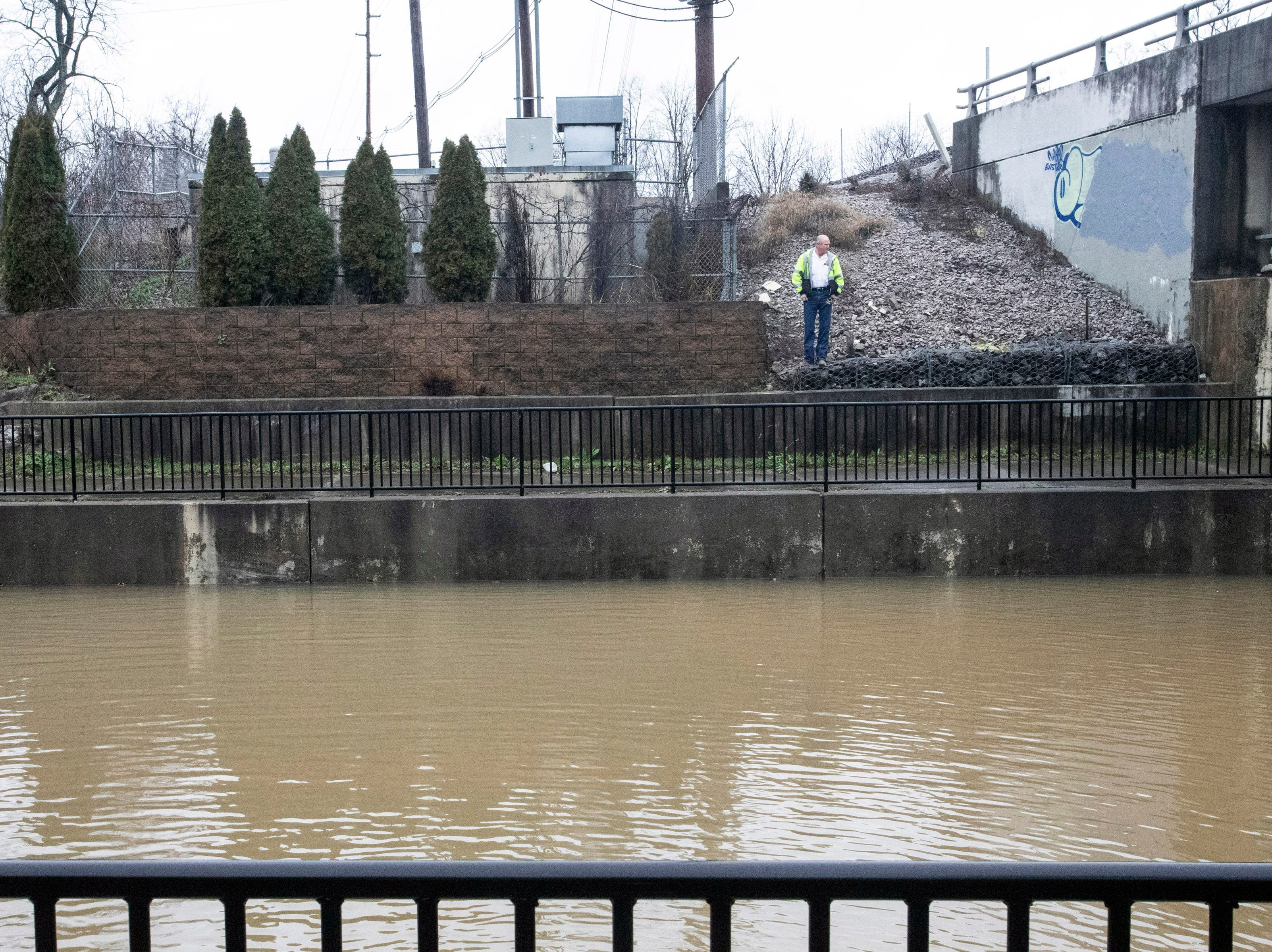 A pumping station along Breckenridge Lane malfunctioned on Tuesday morning causing an underpass to flood quickly. 2/12/19