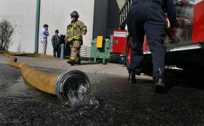 Memphis firefighters respond to a fire at the Gibson Guitar Factory in 2007. The Fire Fighters Association is endorsing mayoral candidate and former mayor Willie Herenton in the 2019 mayoral race.