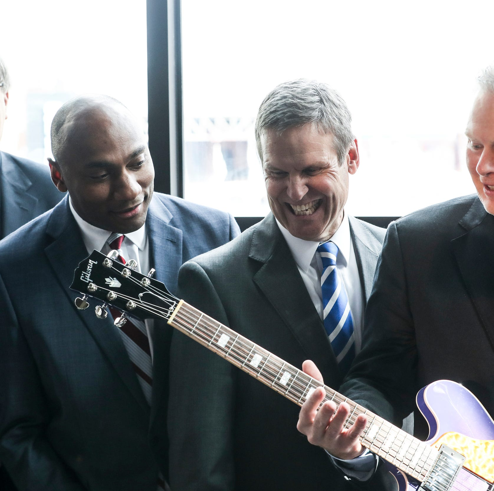 FedEx Logistics moving headquarters to former Gibson Guitar building in Downtown Memphis