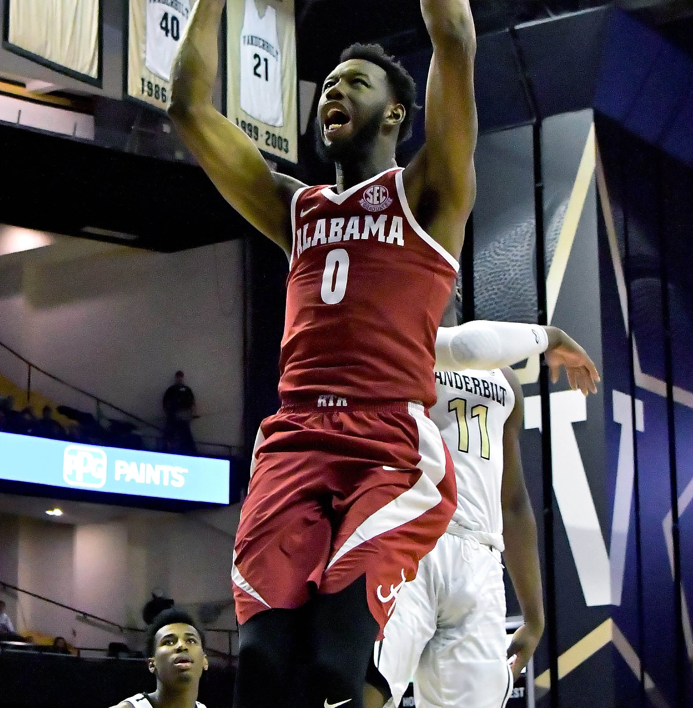 No sweat: Alabama's Donta Hall confident Tide can secure another Tournament bid in Nashville