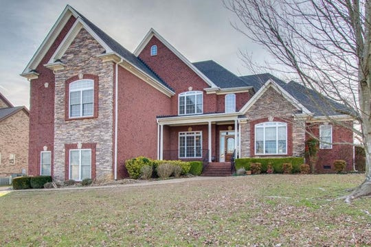 SUMNER COUNTY: 1041 Somerset Downs Blvd., Hendersonville 37075