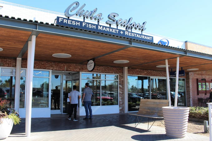 Chula Seafood has opened a second location at Uptown Plaza in Phoenix, joining a number of other food and beverage tenants including Flower Child, Lou Malnati's, Huss Brewing and Scoopwell's.