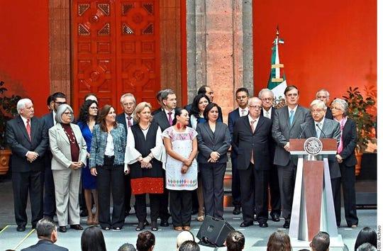 AMLO aseguró que todos los miembros de su Gabinete han cumplido con el compromiso de transparentar sus bienes.