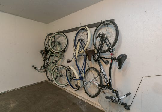 Cindy keeps four adult bicycles on site for guest use. The Bissman Cottage is located just blocks from the dining and brewery scene at Cherry Street and Pickwick Avenue and an easy ride from downtown.