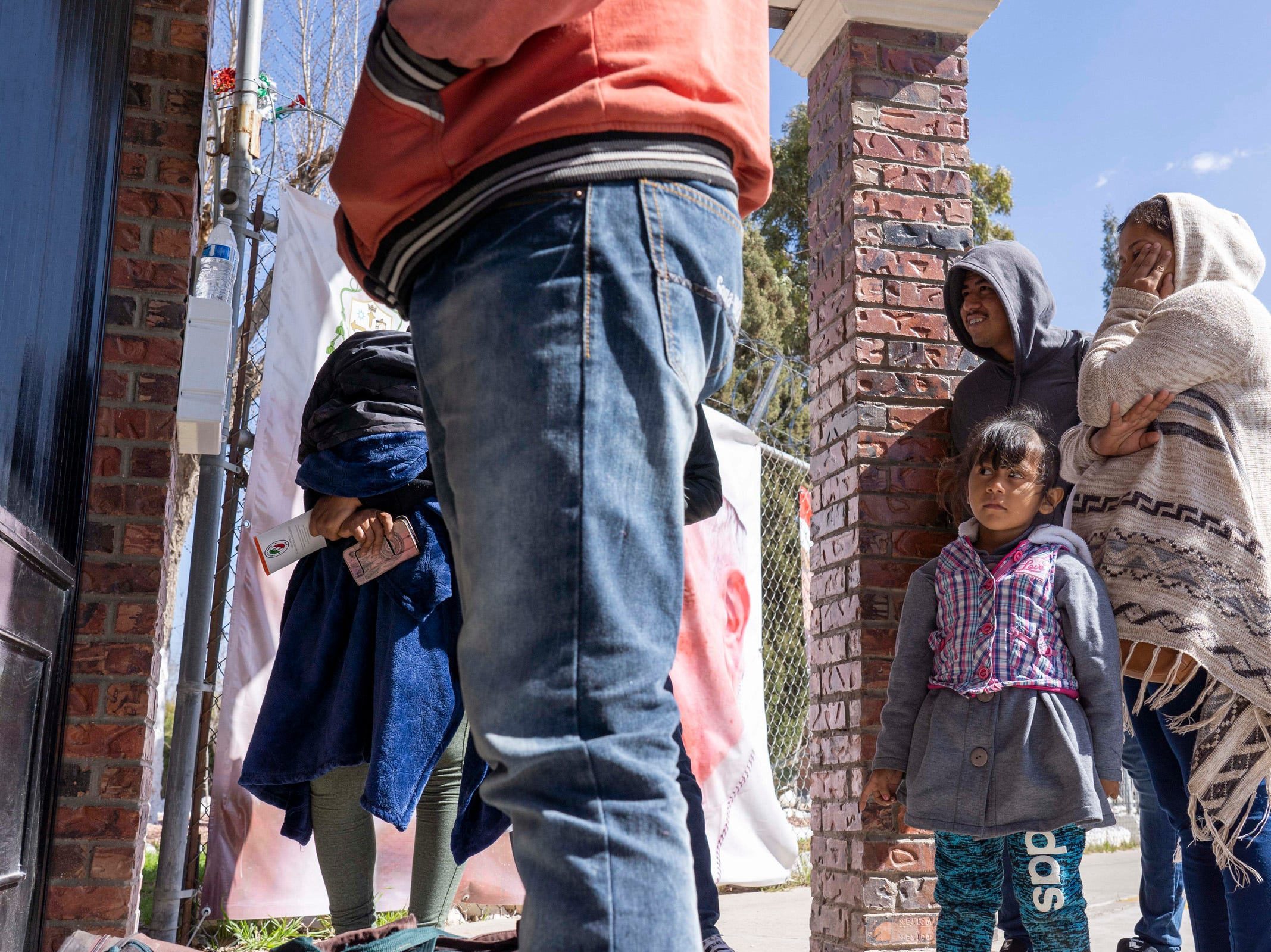 2/11/19 11:30:14 AM -- El Paso, TX, U.S.A  -- On Monday morning, dozen newly-arrived migrants from around Mexico and Latin America to the Casa del Migrante, the Catholic-run shelter for migrants located in Ciudad Juarez.  Photo by Nick Oza, Gannett