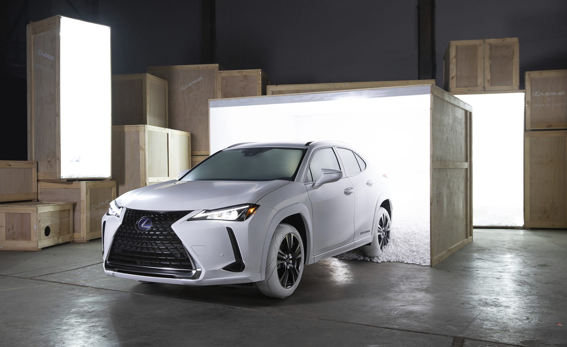 sale retailer 4e6ae 9e56f Lexus UX wears tires inspired by Nike Air Force 1 sneakers