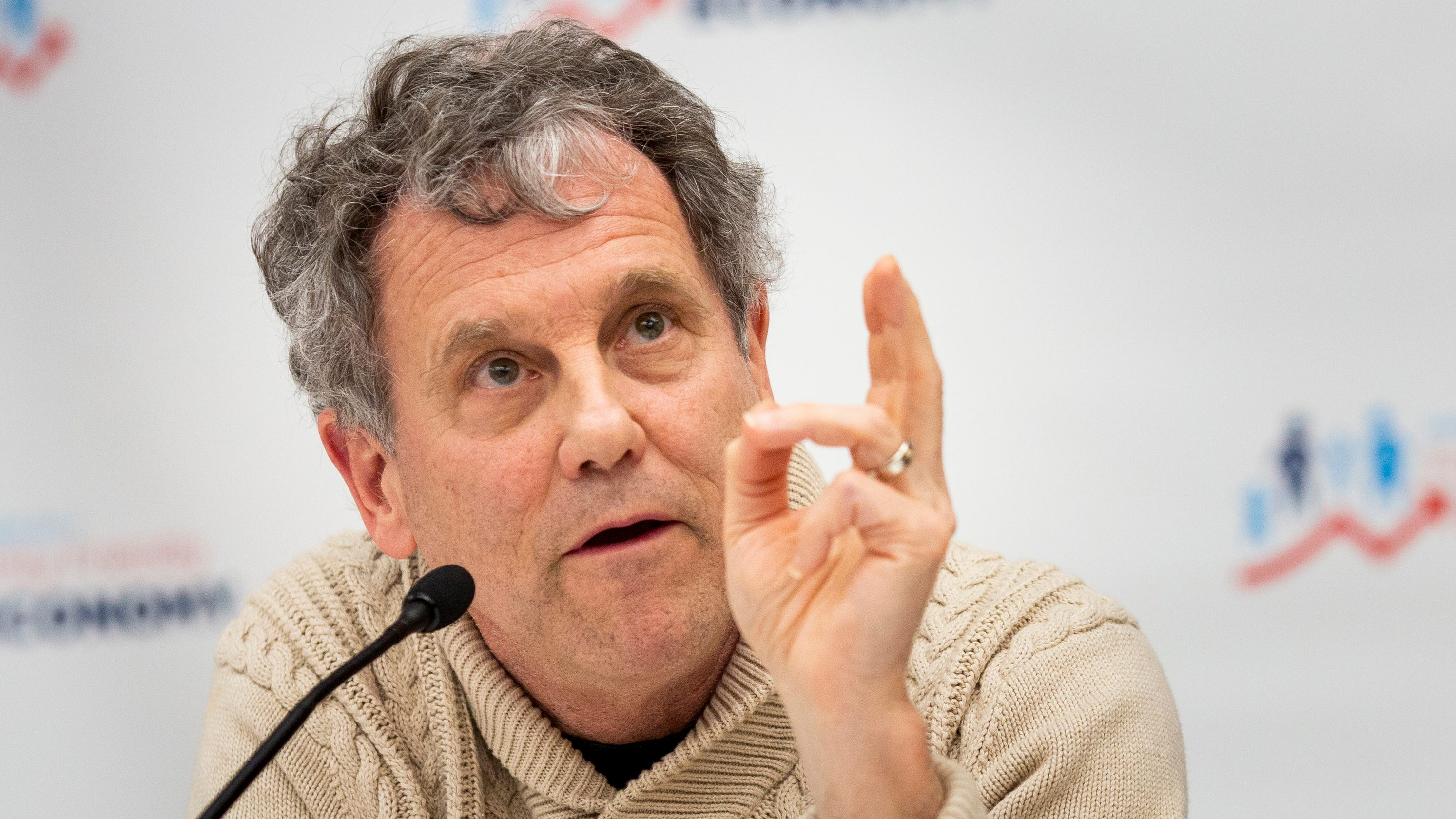 Sherrod Brown to Major League Baseball  Keep baseball caps union-made 34f0b5baedf