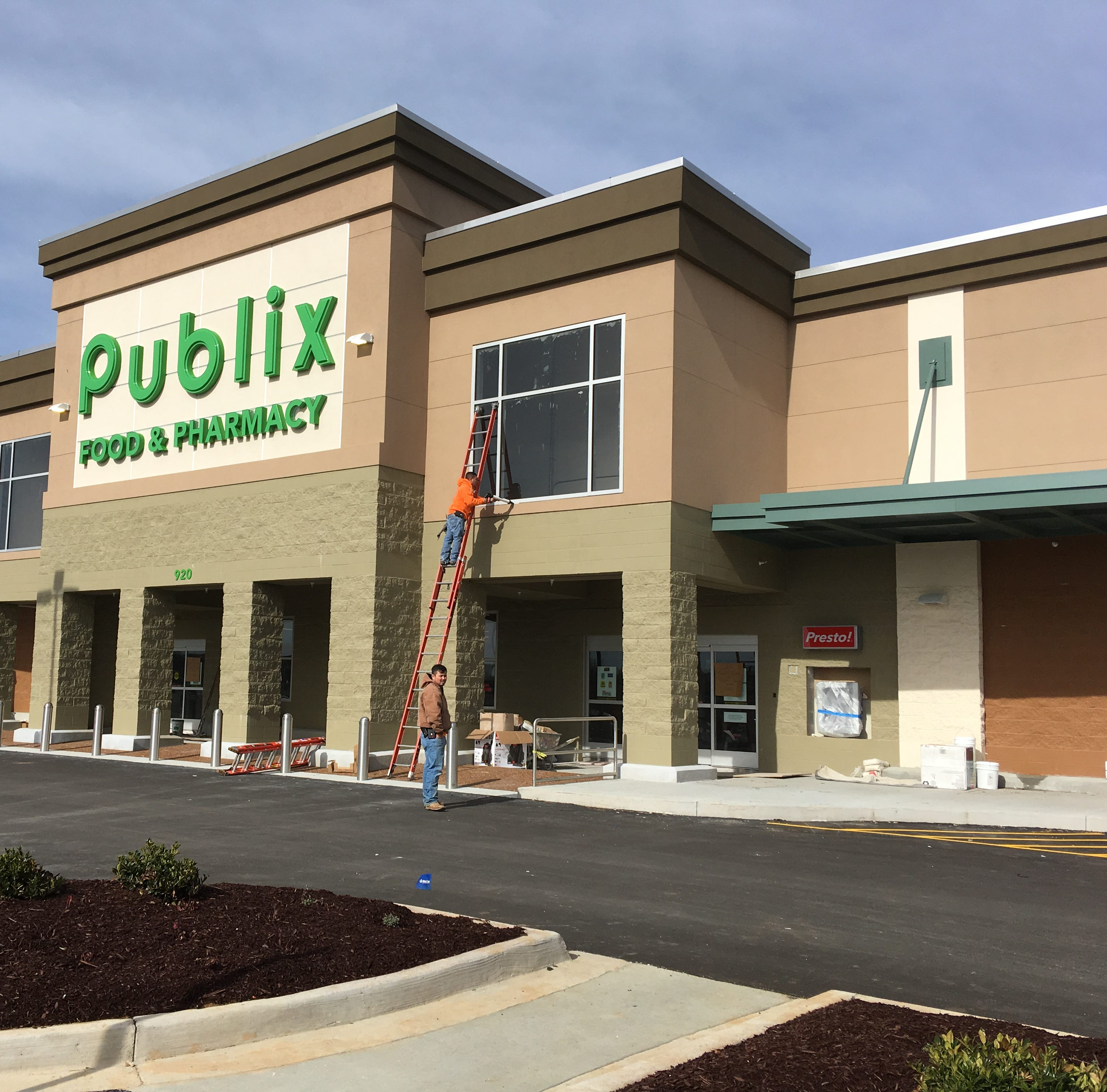 Publix confirms opening date for third Clarksville store