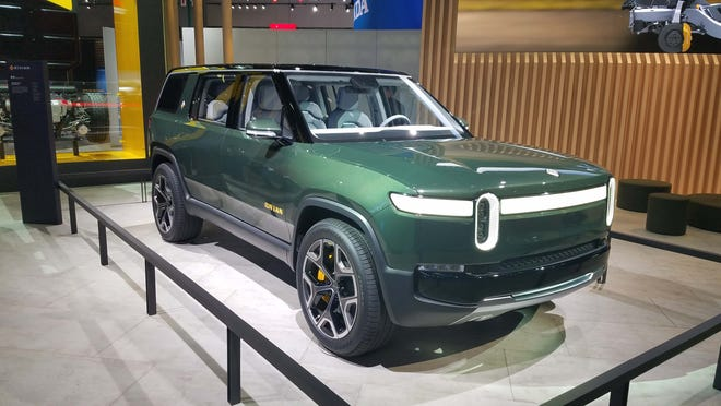 In addition to the Rivian R1T pickup, the Plymouth-based company plans an R1S SUV on the same skateboard, electric platform. The prototype was shown alongside the pickup at the LA auto show.