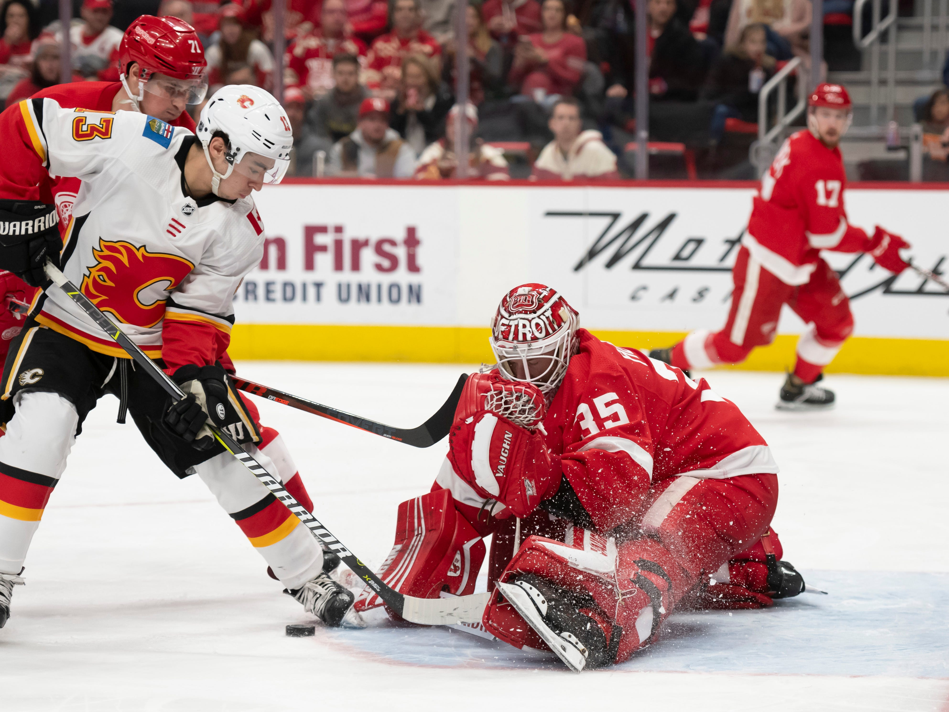 17. Jimmy Howard, G, Detroit: There aren't any playoff contenders looking to add goaltending, but that can change quickly with one injury. The Wings appear more interested in re-signing Howard, anyway.