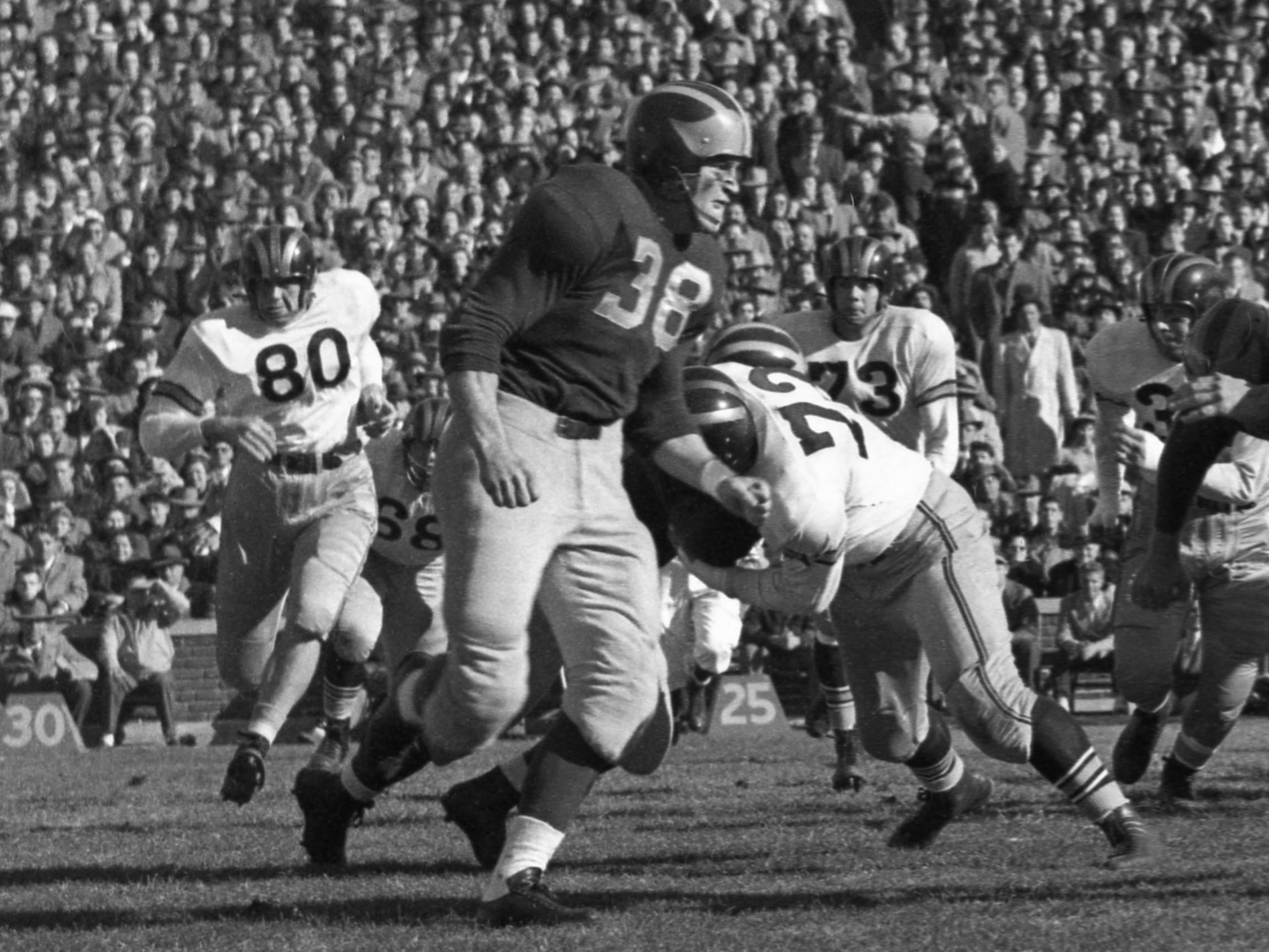Dick Kempthorn, MVP of 1949 Michigan team and war hero, dies at 92