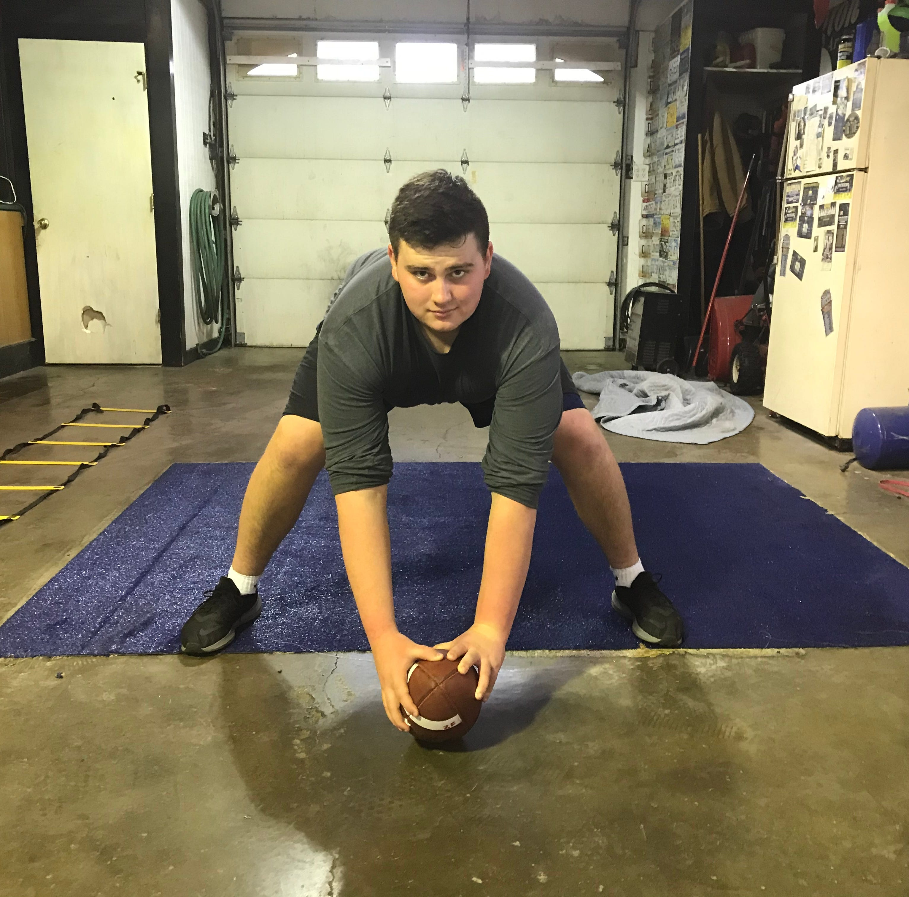 Two hands on the ball, long snapping propels Ross senior Frye to make name for himself