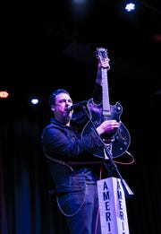 Jesse Dayton performs at the 2018 Ameripolitan Music Awards.