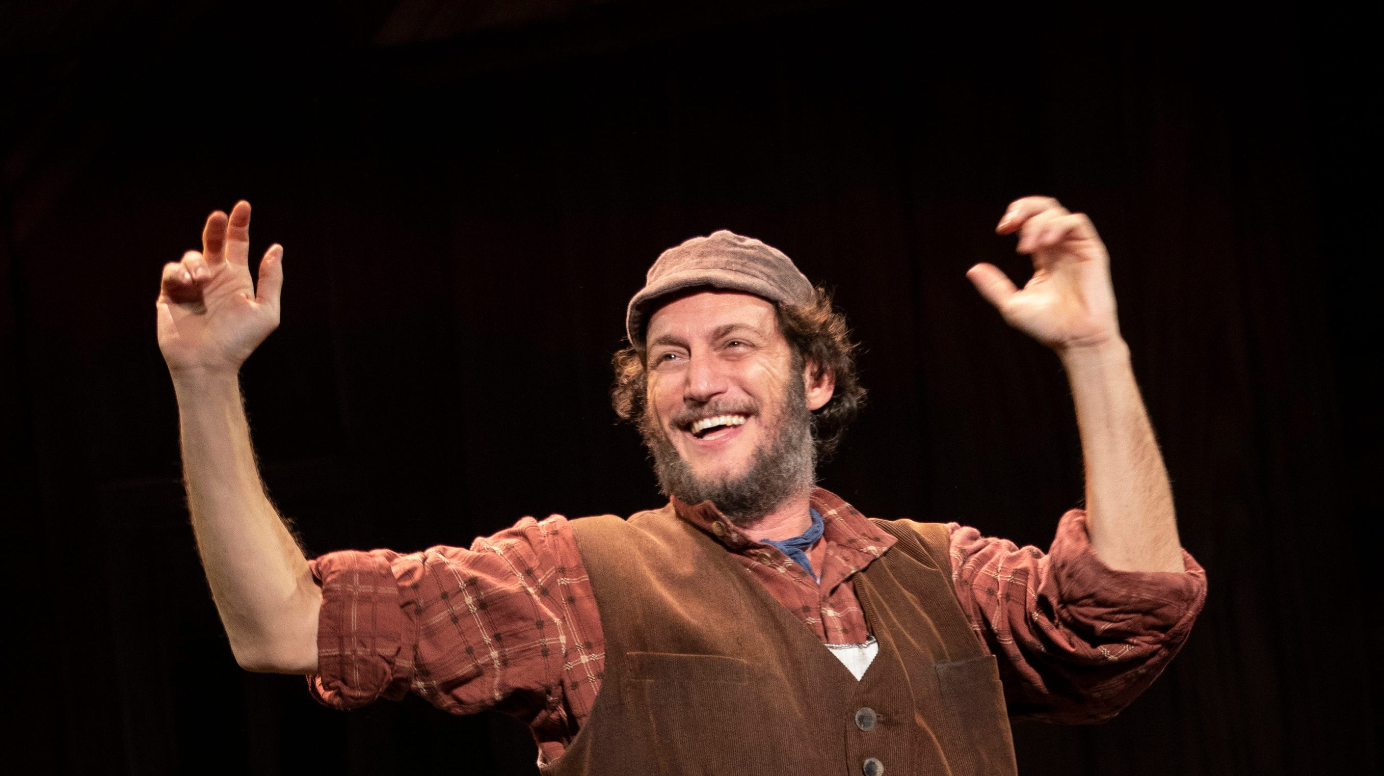 Yehezkel Lazarov plays Tevye in the national tour...