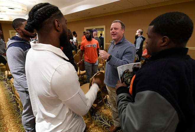 Former Auburn running bacsk coach Tim Horton talks to players during a team meeting before the Music City Bowl on Dec. 23, 2018 in Nashville, Tennessee.