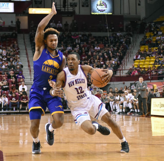 New Mexico State junior guard AJ Harris  is one of three Division I transfers on the Aggies roster. He sat out the 2016-17 season after transferring from Ohio State.