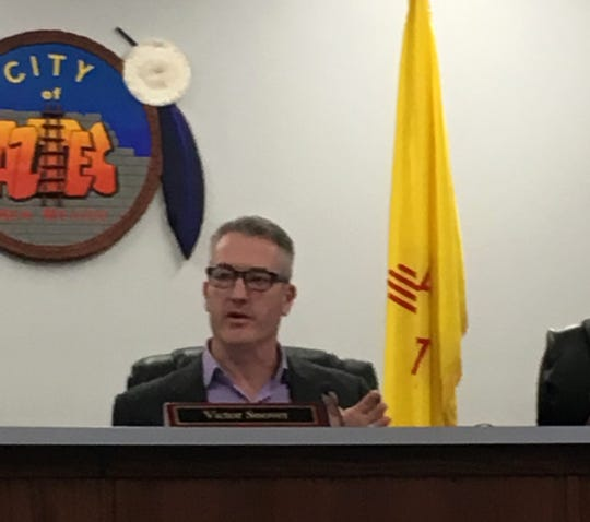Aztec Mayor Victor Snover speaks Tuesday at the start of the City Commission meeting.