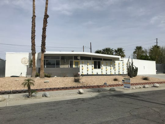 This El Rancho Vista Estates home is located behind the Palm Springs sign on the corner of Gene Autry Trail and Vista Chino. The property is selling for $639,000.