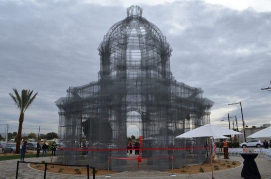 'Etherea' by Italian sculptor Edoardo Tresoldi now stands in Coachella, Feb. 13 2019