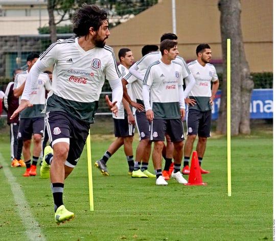 Gerardo 'Tata' Martino ya llevó a cabo su 1er entrenamiento al frente del 'Tri'.