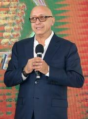 """Alberto Ciurana, Director de Contenido y Distribución de TV Azteca, asegura que hay mucho interés de figuras internacionales, de formar parte de """"La Voz México""""."""