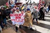 Ellos aseguran que no pueden seguir viviendo bajo la incertidumbre y la angustia, y recuerdan que han trabajado durante décadas en Estados Unidos