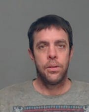 Arrest photo of Deric Leavitt