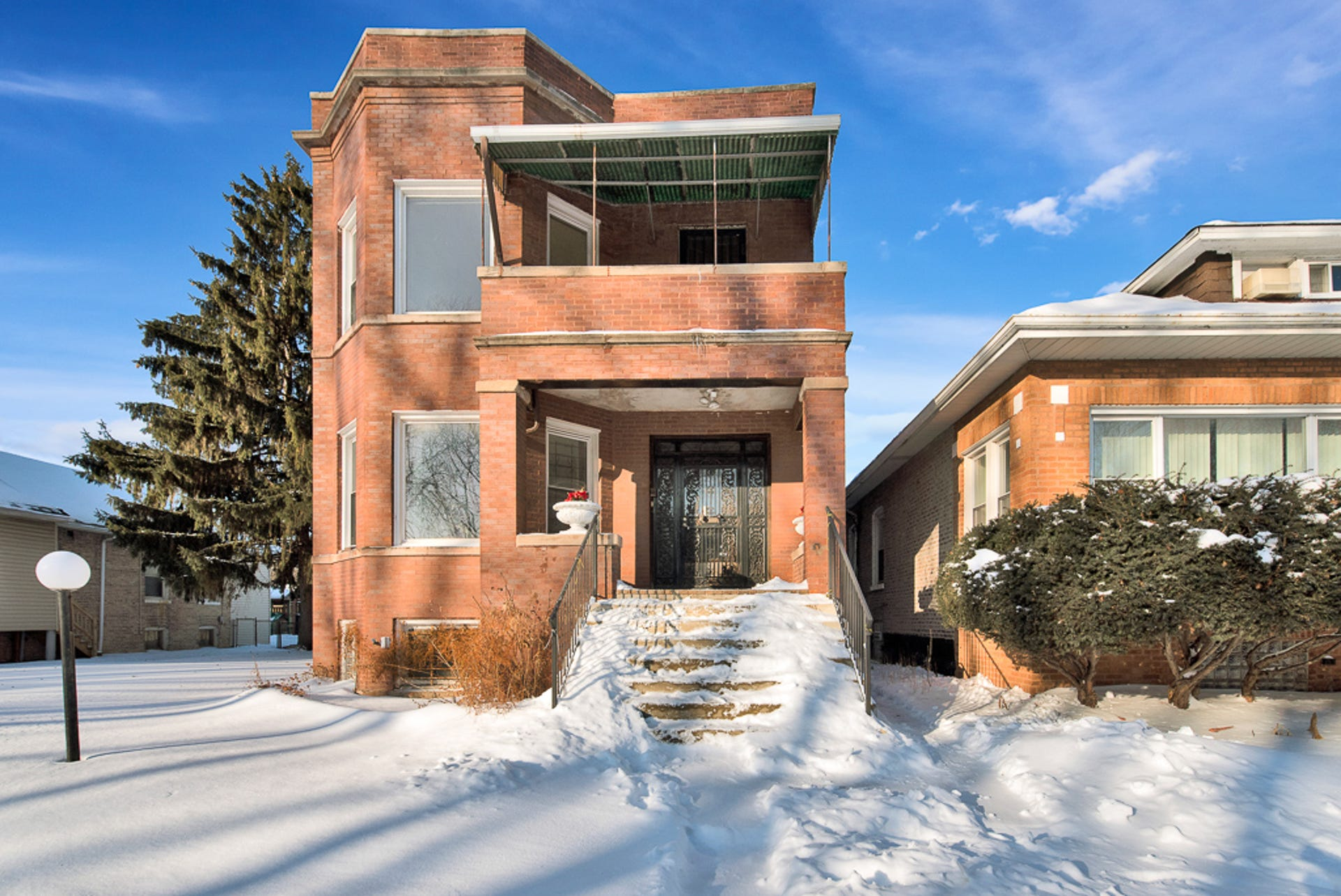 Al Capone home for sale in Chicago: See the photos