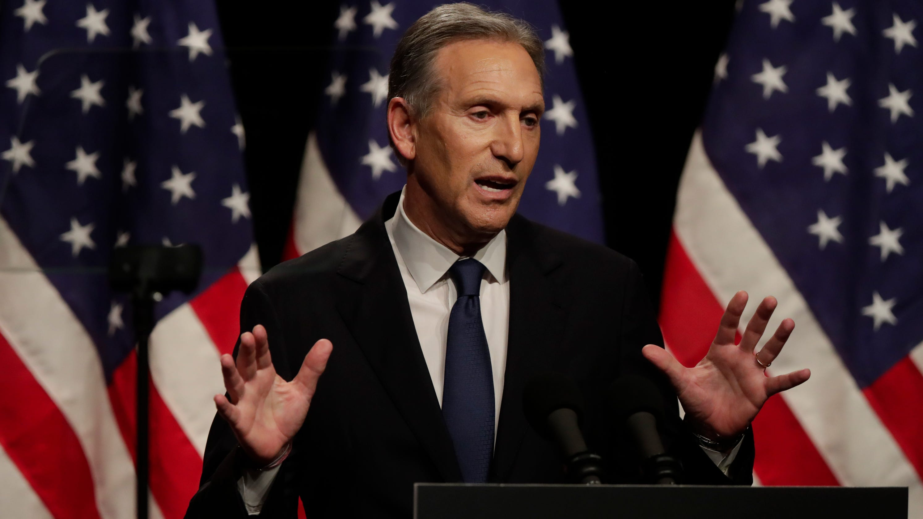 QnA VBage 'I honestly don't see color,' Howard Schultz says when asked about racial profiling