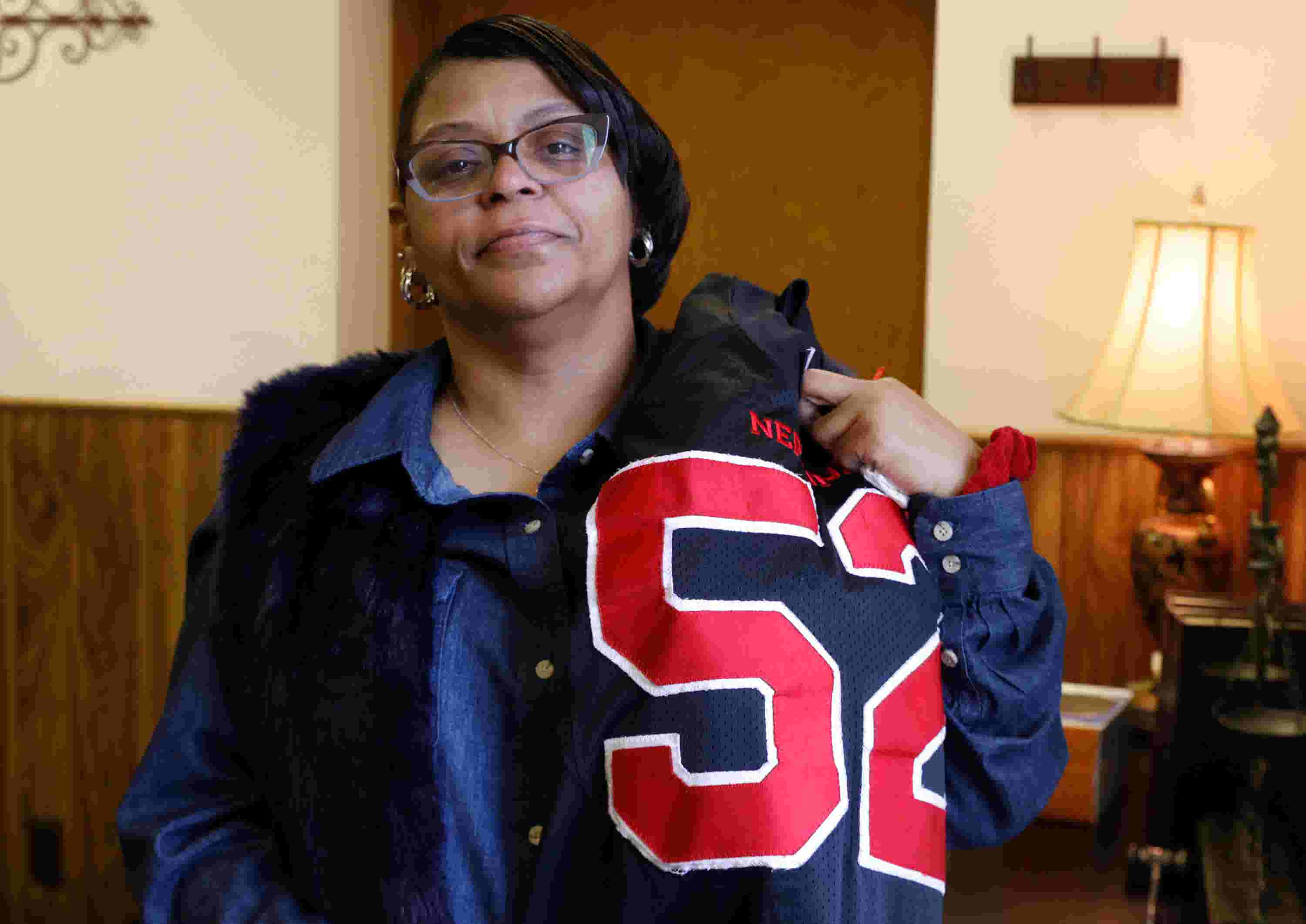 Mom Of Braeden Bradforth Nj Football Player Who Died Wants Answers
