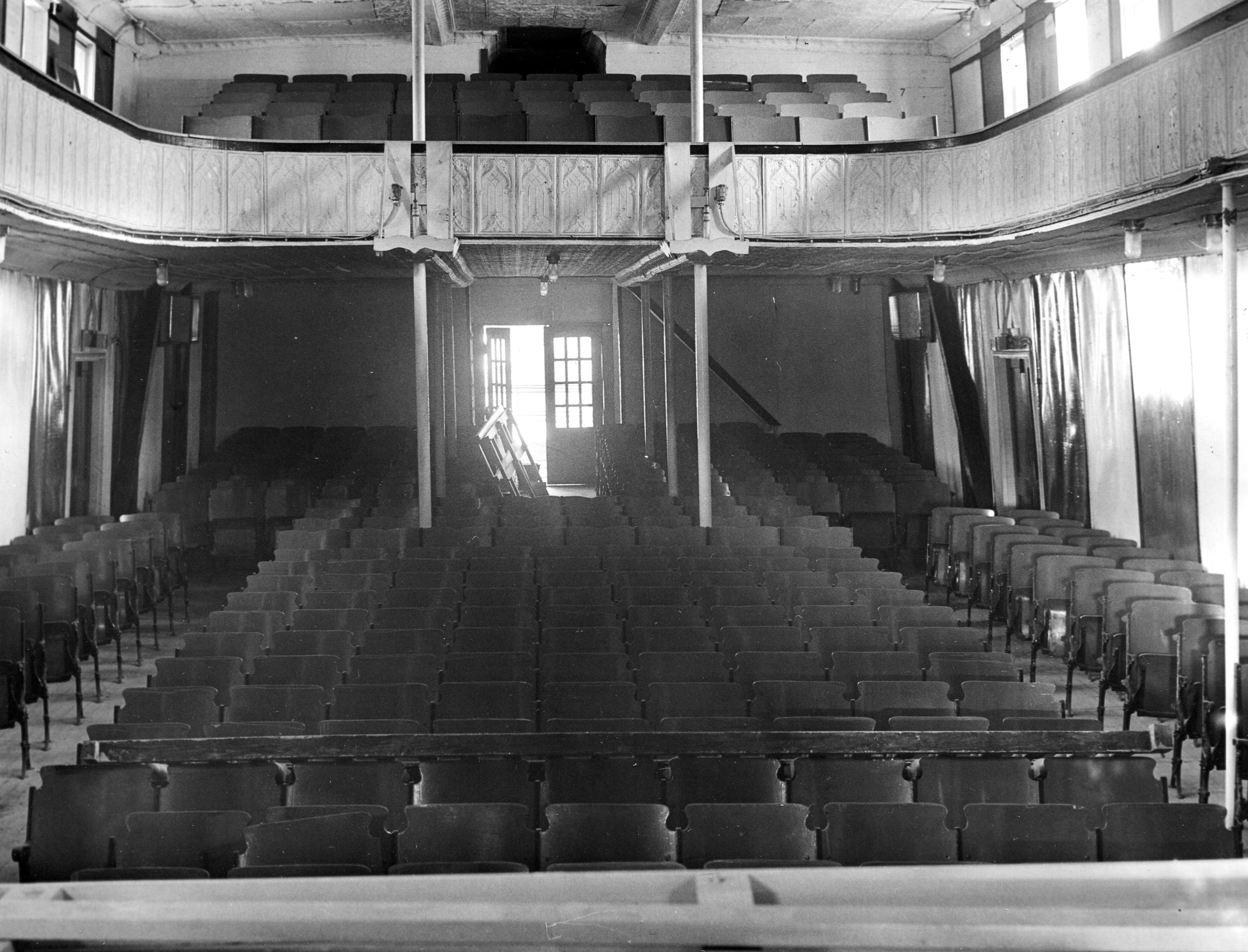 The theater of the Showboat Majestic when it was docked at Jeffersonville, Indiana. The showboat was purchased by the City of Cincinnati from Indiana University in 1967.